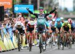 Bennett gana la 3era etapa y Teuns lidera el Critérium du Dauphiné