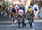 Caleb Ewan ganó la 11ª etapa por centímetros y Alaphillippe conserva el maillot amarillo