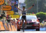 Trentin gana la 17ª etapa con autoridad y Alaphillippe se aferra al maillot amarillo