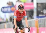 Gino Mäder ganó la 6ª etapa del Giro y Attila Valter irrumpe como nuevo líder